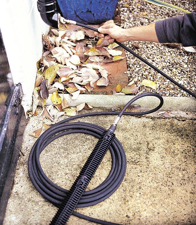 pulizia canale di scarico con lancia idropulitrice