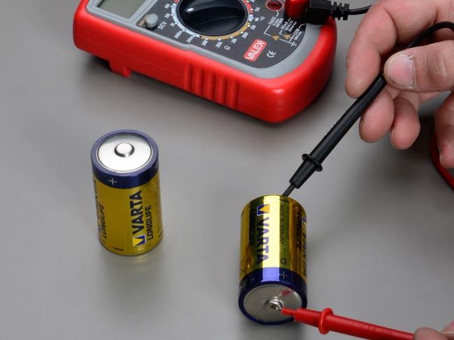 Verificare pile e batterie