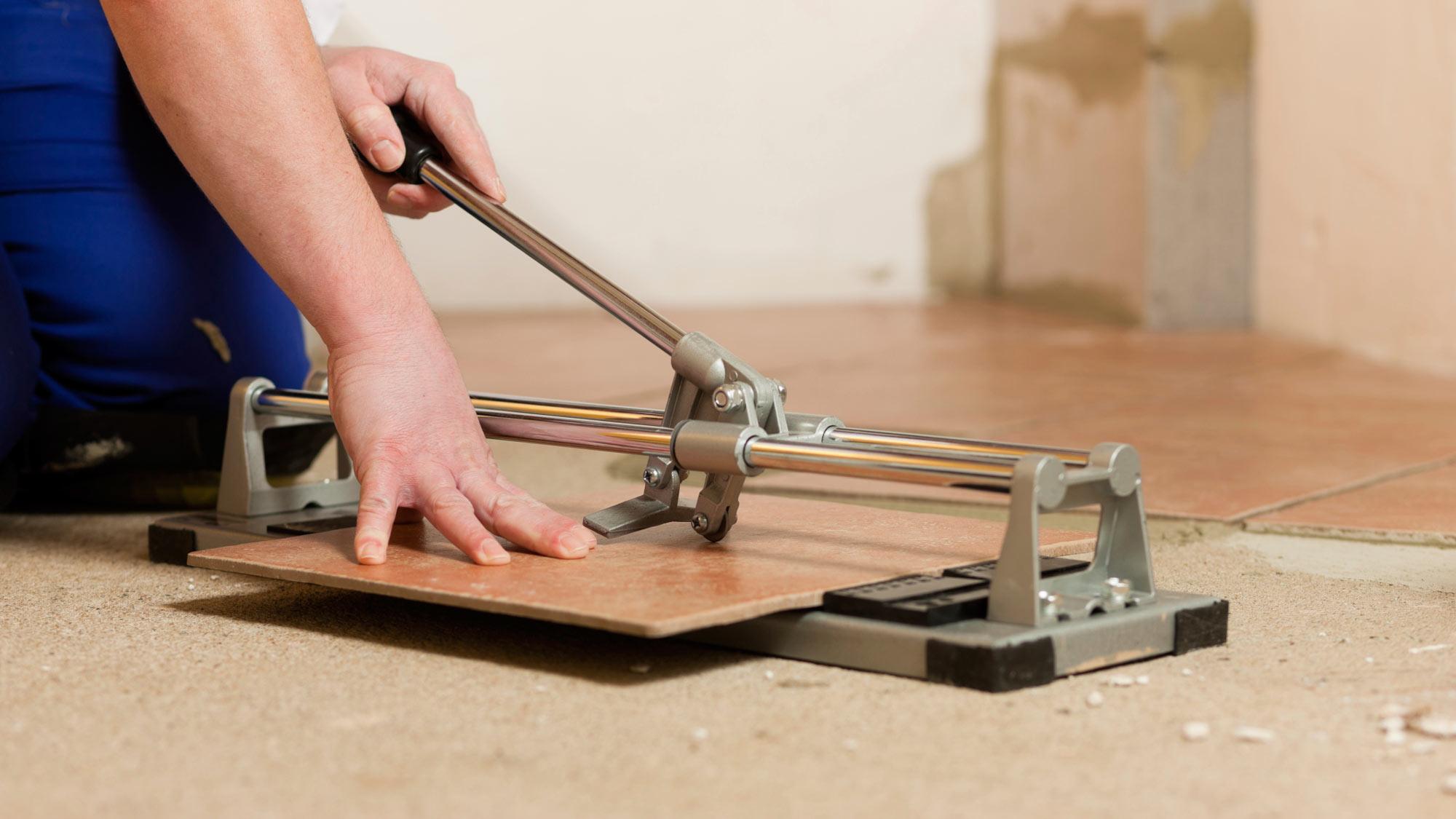 Tagliare piastrelle a mano | Utensili e tecniche