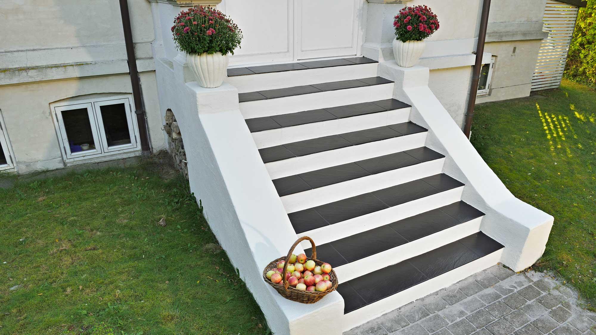 Rivestimento scale esterne con piastrelle | Preparazione e posa fai da te