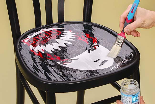 sedie decorate in stile punk