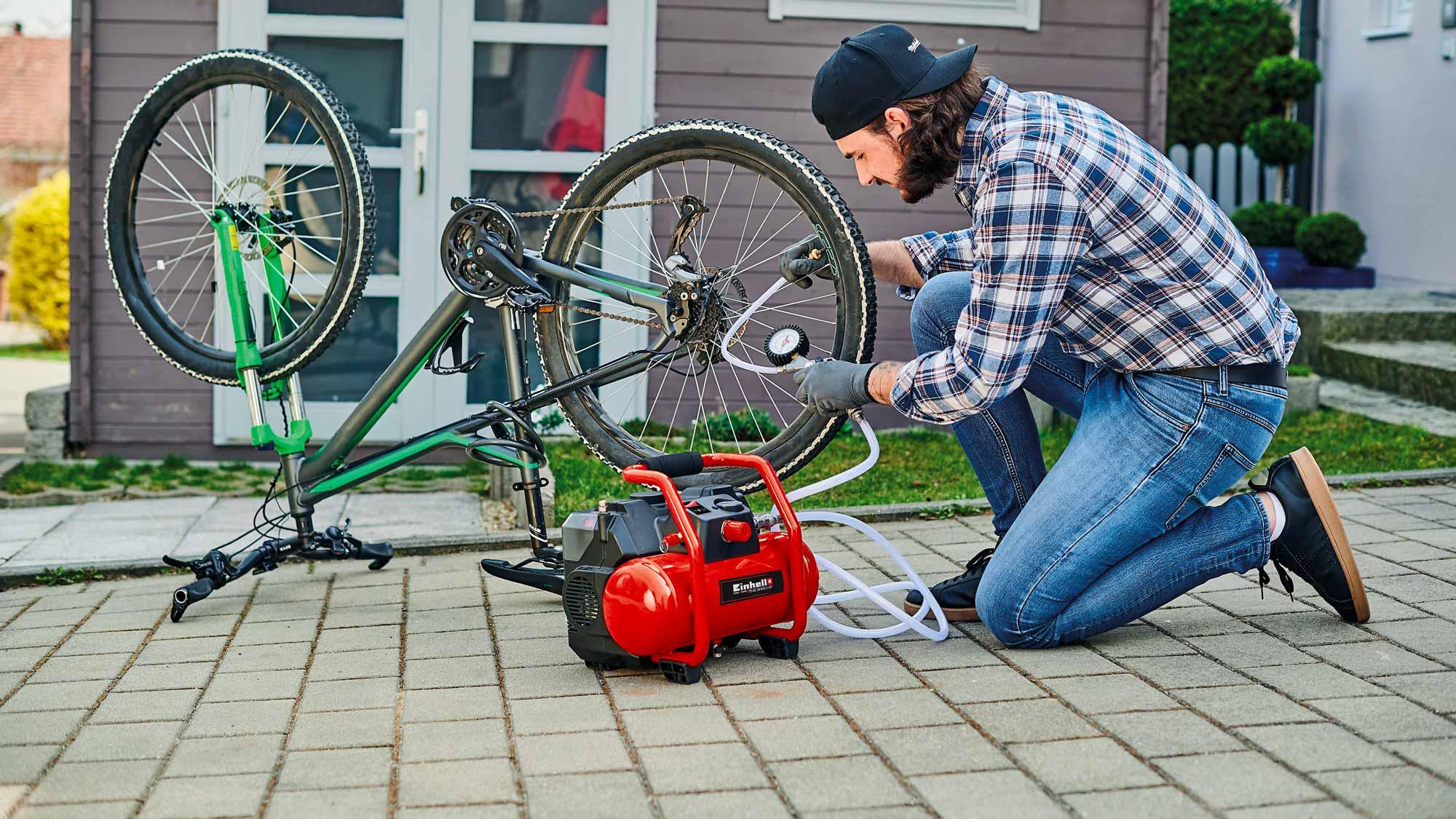 Batterie Power X-Change Einhell per pompa autoadescante e compressore