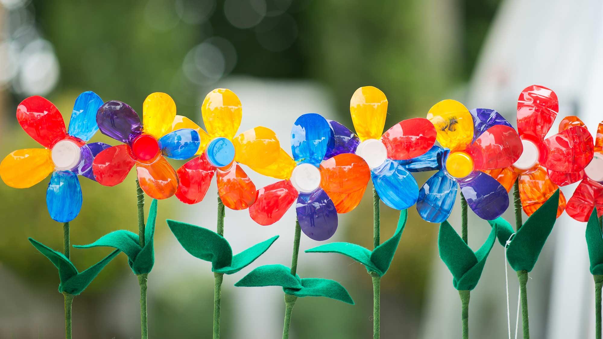 Fiori di plastica | Come realizzarli fai da te