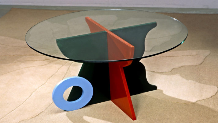 tavolino in legno e vetro