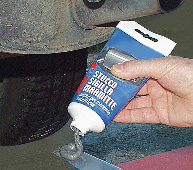 stucco riparazione marmitta auto