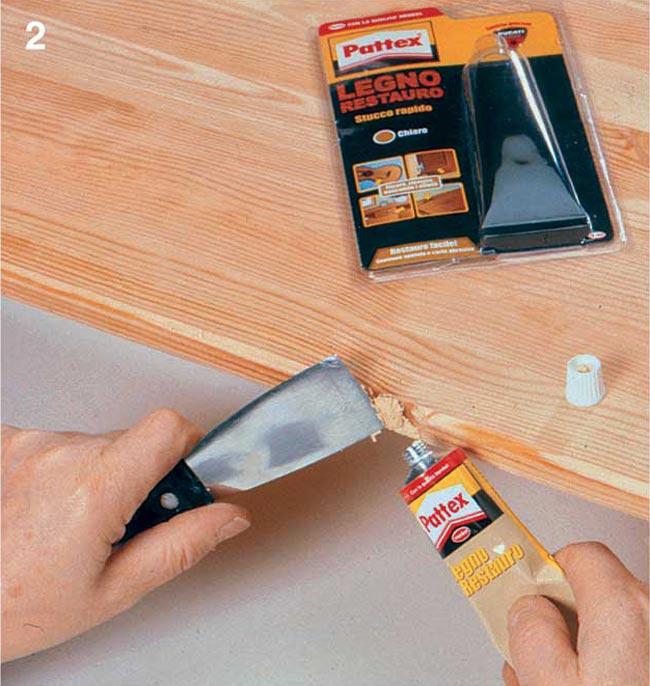 Pittura legno a pennello