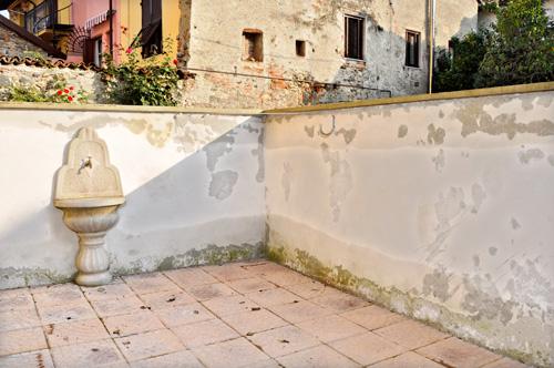 Risanare un muro con pietra tecnica bricoportale fai da - Decorare un muro ...