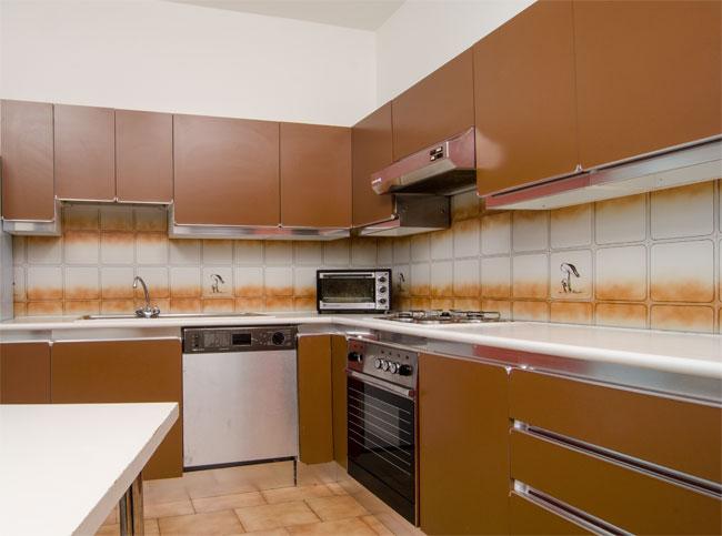 Rinnovare la cucina senza cambiarla bricoportale fai da - Cucina senza piastrelle ...