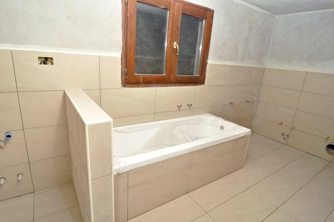 nuovo bagno con vasca