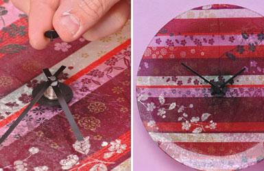 Applicazione delle lancette all'orologio in stoffa e vetro
