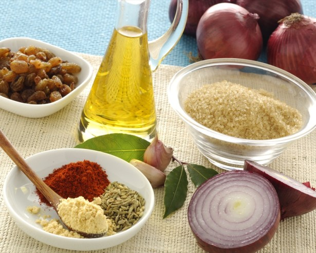 ricetta chutney di cipolle e uvetta