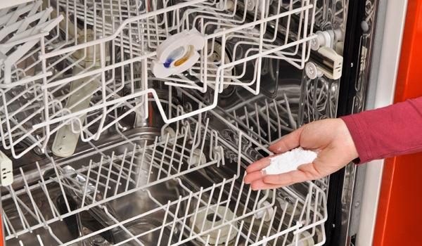 bicarbonato di sodio in lavastoviglie