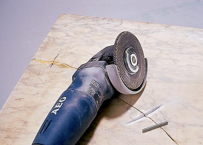 tagliare il marmo
