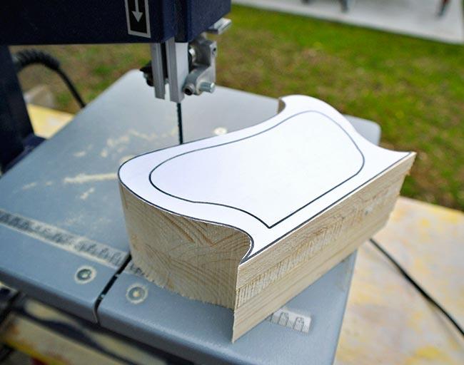 Portagioie fai da te di legno in stile liberty guida for Oggetti in legno fai da te
